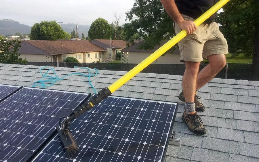Очистка солнечных батарей