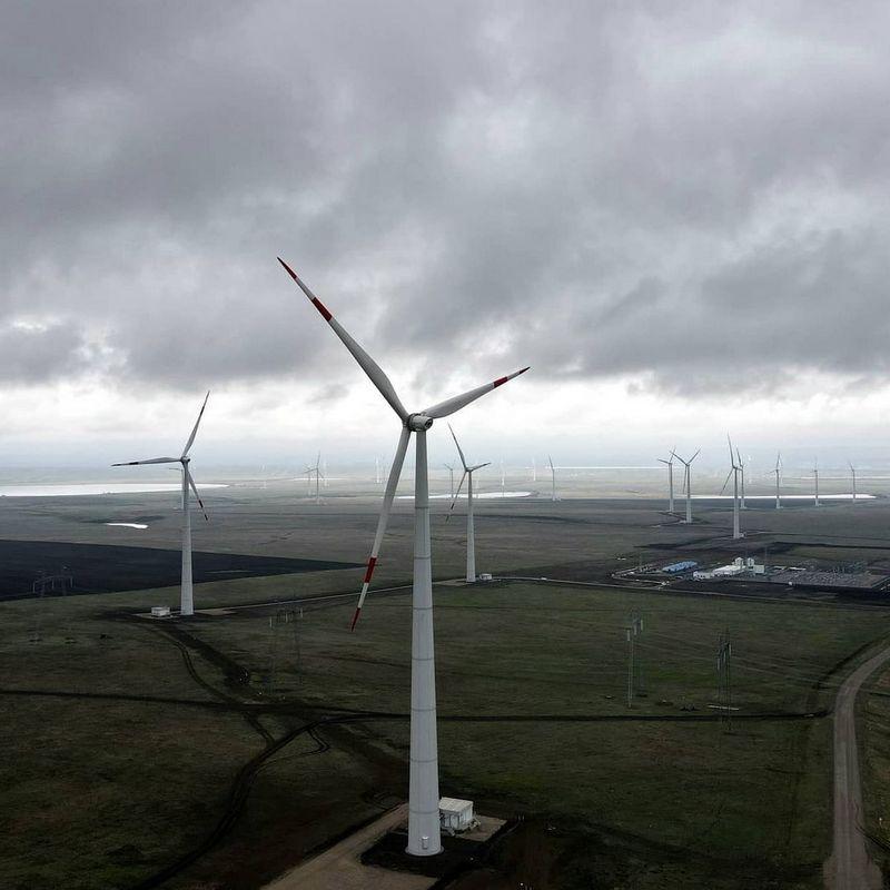 Кочубеевская ветряная электростанция