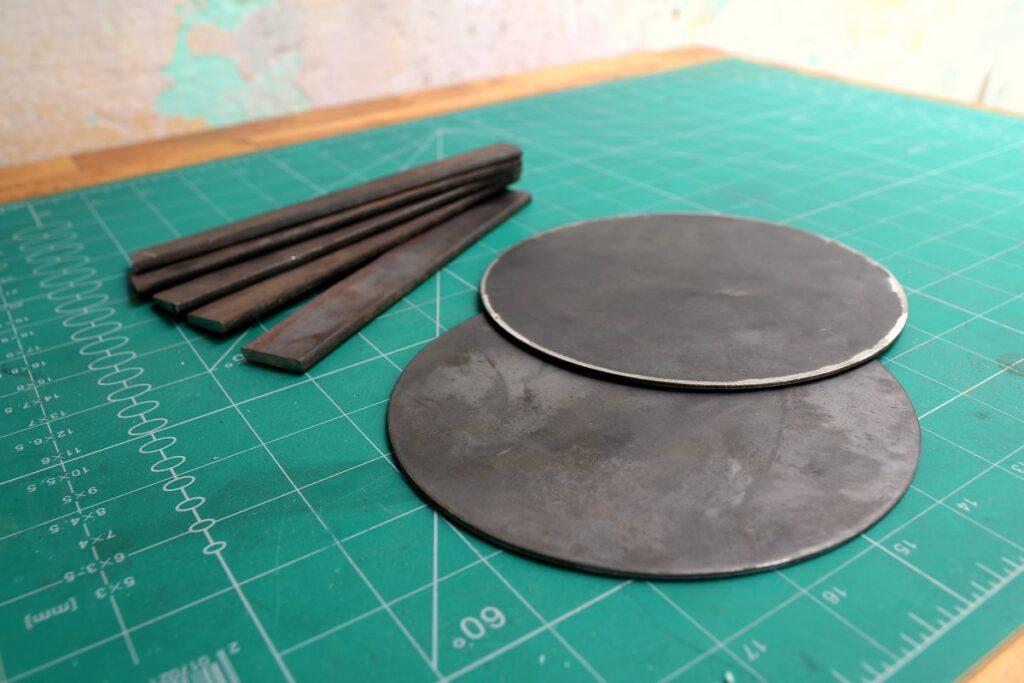 Металлические пластины