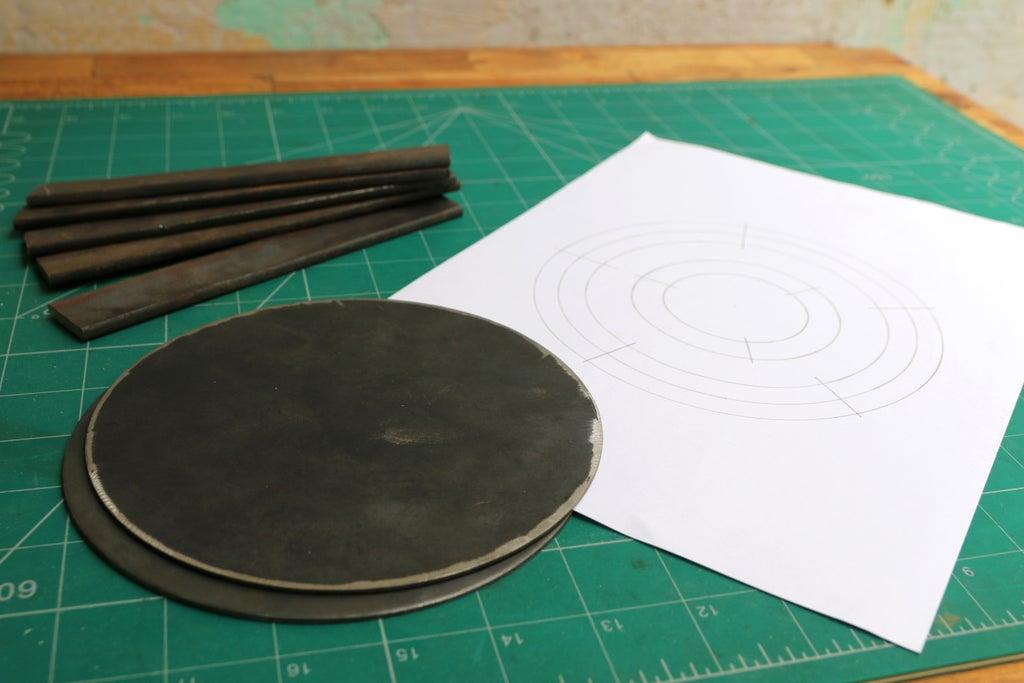 Металлические заготовки и шаблон