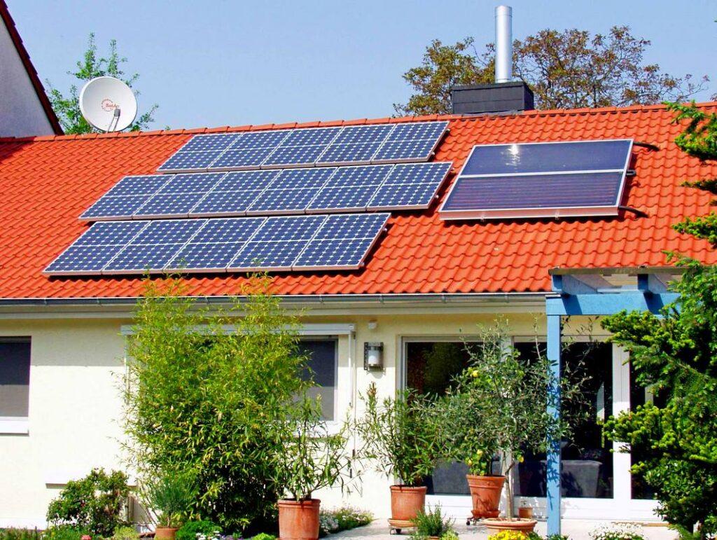 Солнечные панели и коллектор